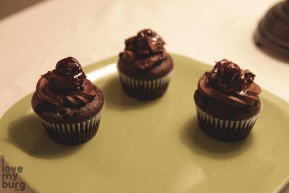 larkin arts cupcake