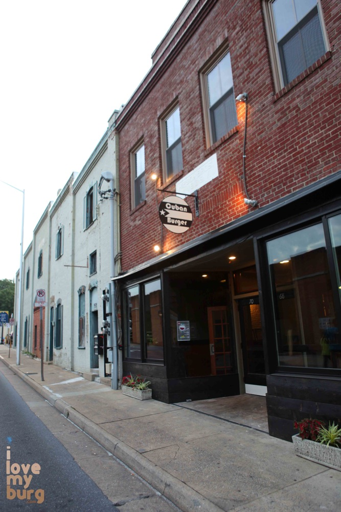 street scene restaurant