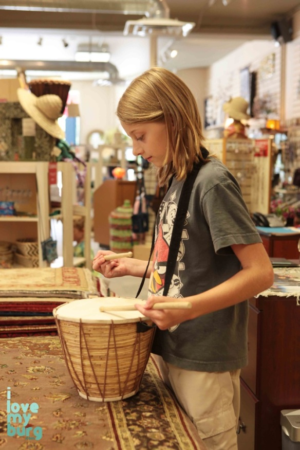 girl using drum